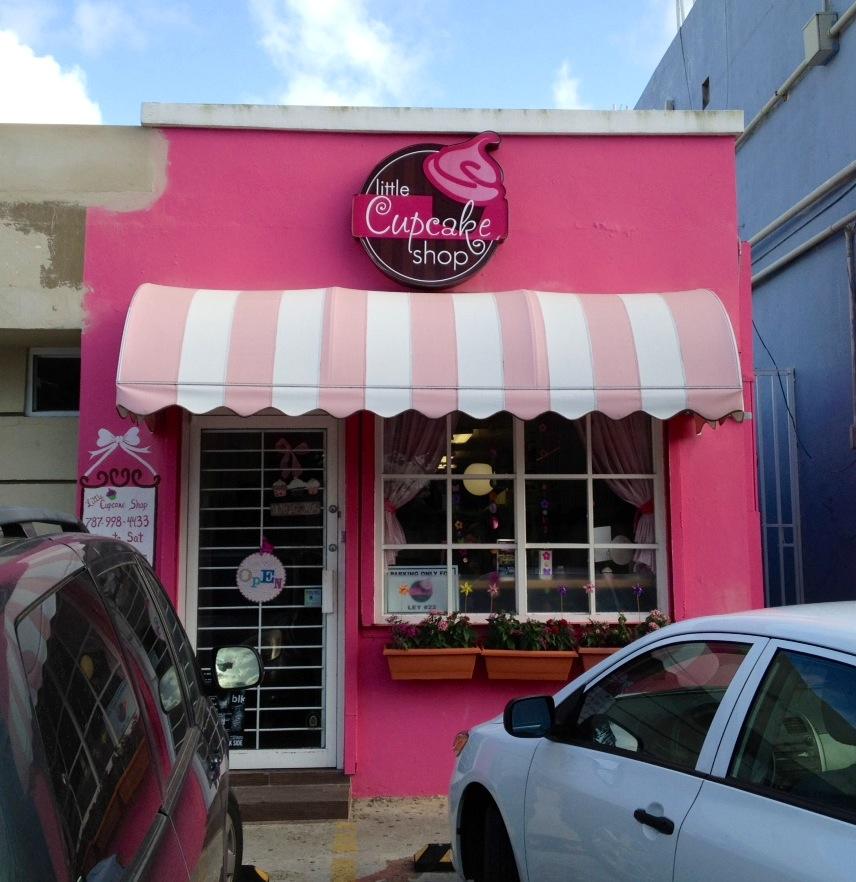 Little cupcake shop yum foodietiando for Small shop exterior design